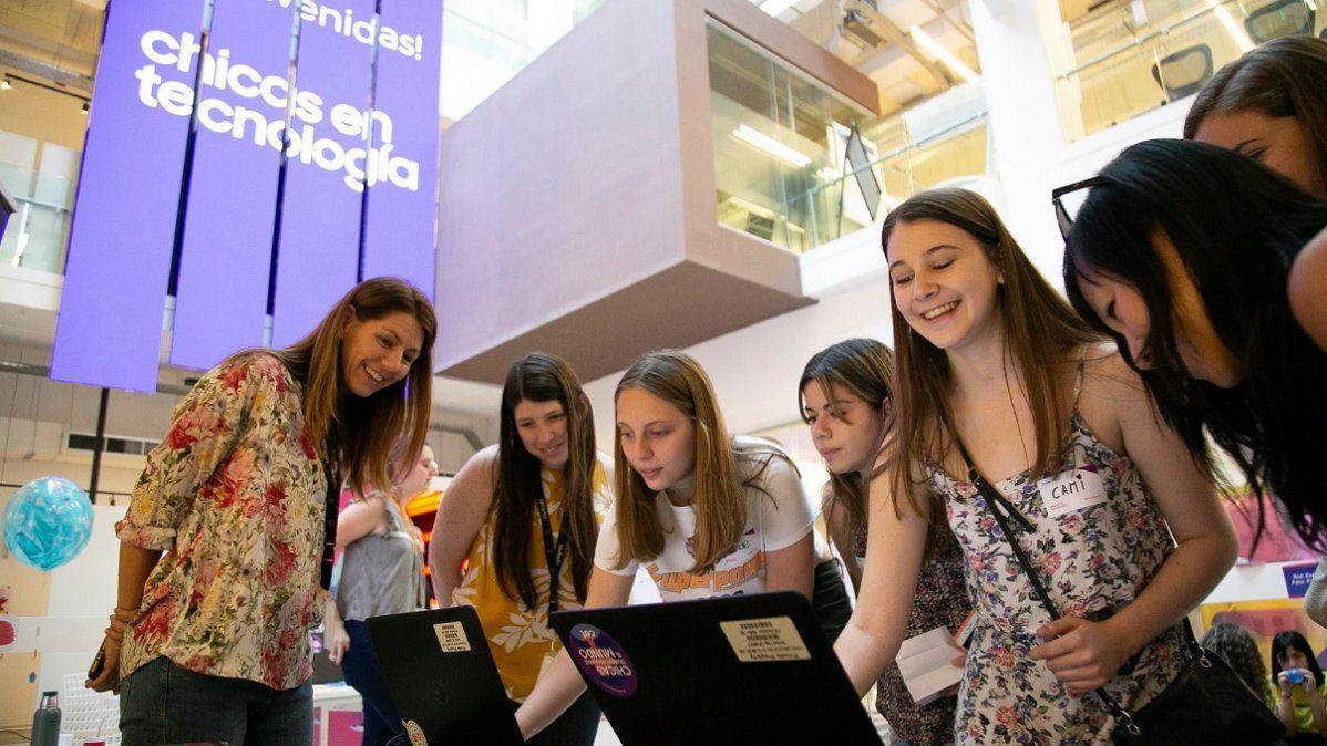 La organización Chicas en Tecnología, premiada a nivel internacional