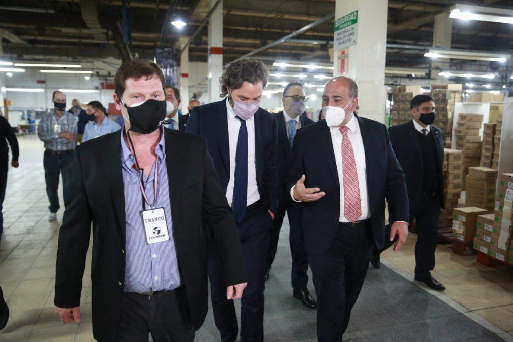 Manzur y Cafiero visitaron la fábrica de Alpargatas