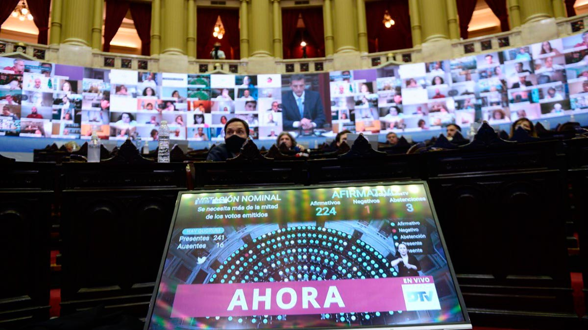 La Cámara de Diputados aceptó la renuncia de Juan Ameri