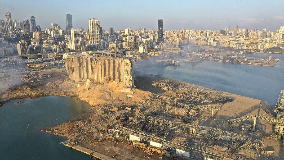 La explosión en el puerto de Beirut conmocionó al mundo. Foto AP / Hussein Malla