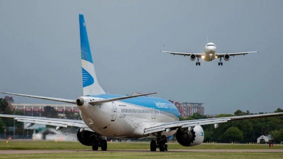 Coronavirus: Aerolíneas trasladó 14 vuelos de Aeroparque a Ezeiza