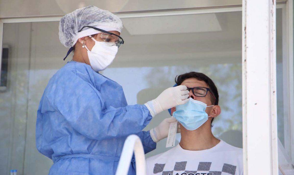 Personal sanitario realiza testeos. Foto MSPT
