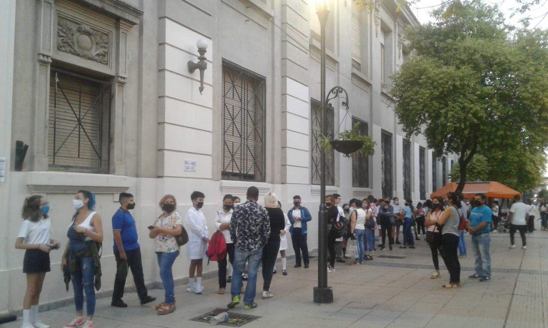 Escuela Normal de Tucumán: con protocolo, rinden para el ingreso