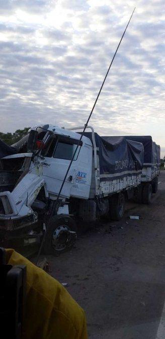 Choque en cadena de camiones en Los Mistoles