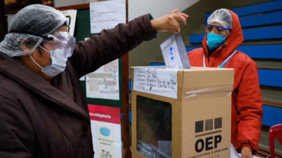 Bolivia: con la votación terminada, no se entregan datos preliminares