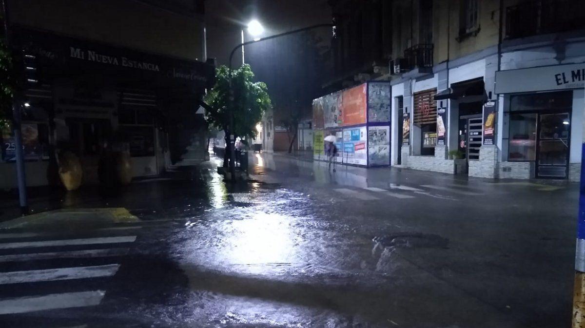 Tucumán amaneció pasado por agua: cómo sigue el martes