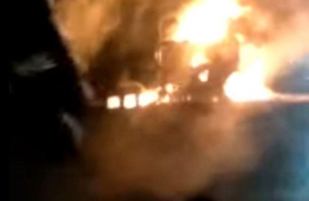 Ruta 9: se prendió fuego un camión con electrodomésticos