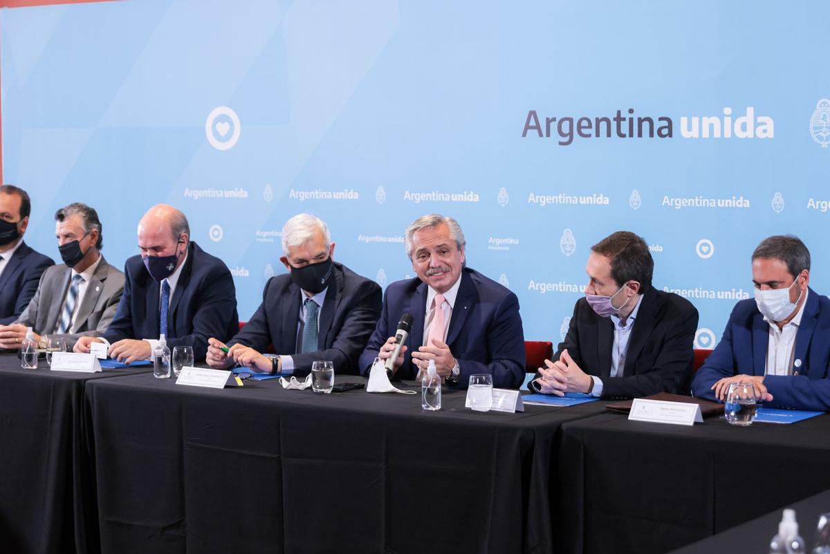 Alberto Fernández se reunió con empresarios vitivinícolas