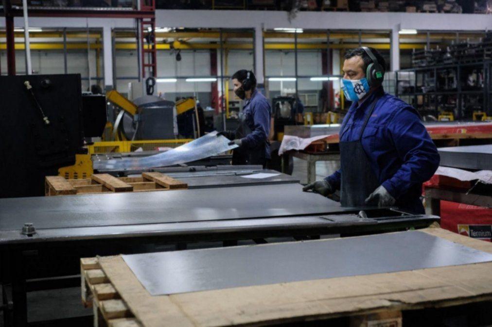 Producción de pymes industriales cayó 6,9% en septiembre