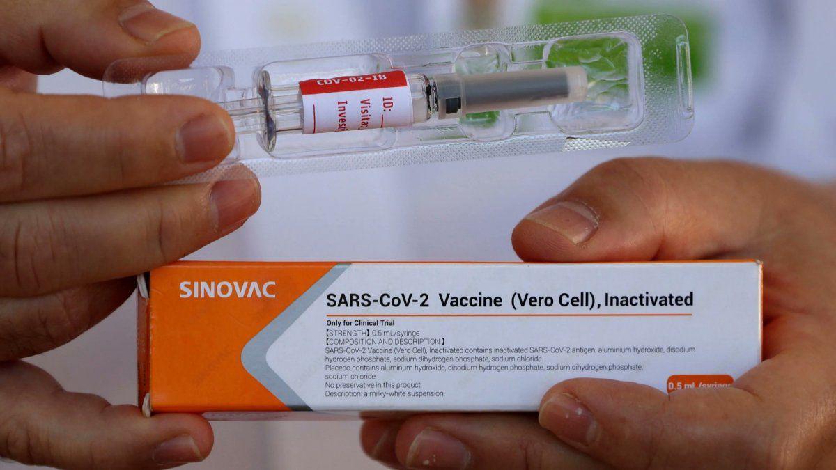China reconoció que la eficacia de sus vacunas es baja.