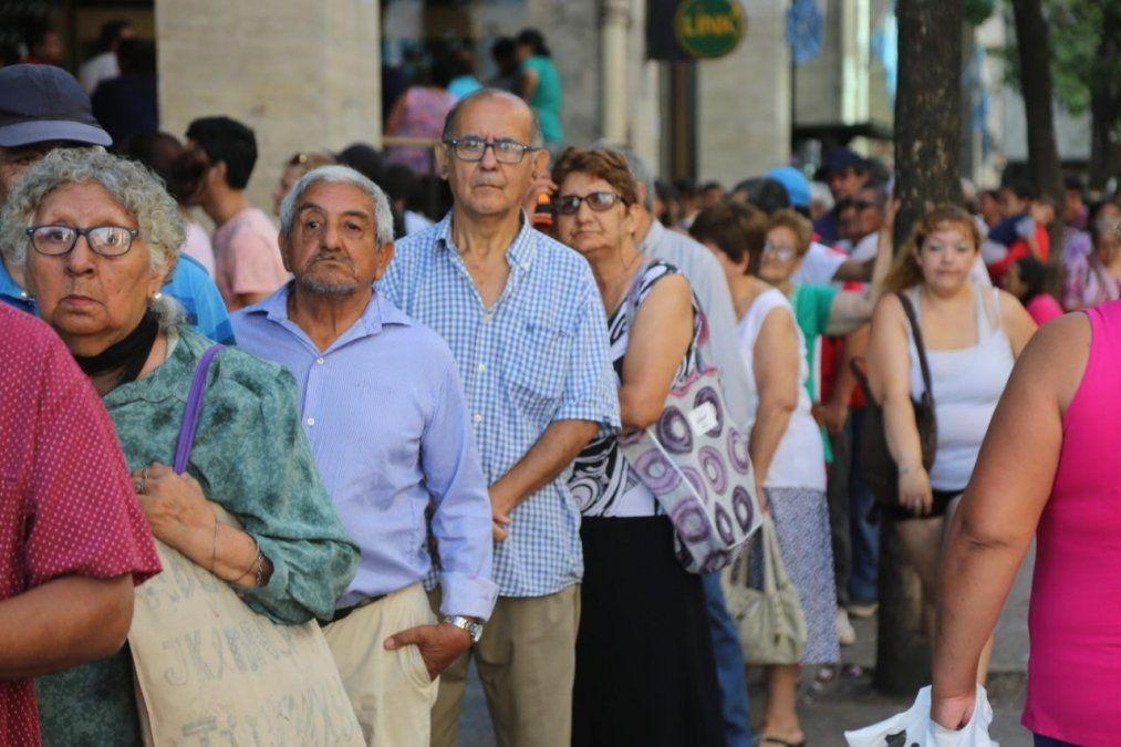 Jubilados: cómo reclamar si no cobraron el bono
