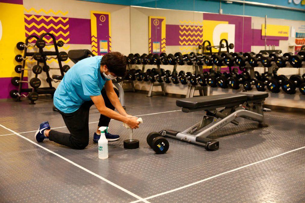 Analizan flexibilizar gimnasios con protocolos severos