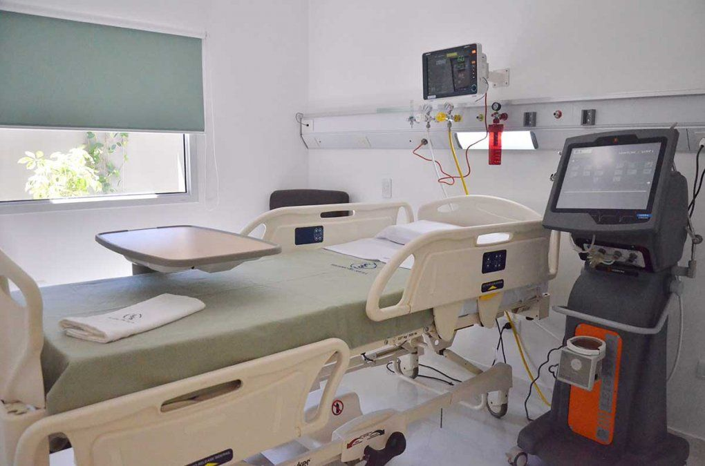 Sanatorios al límite de ocupación de camas críticas