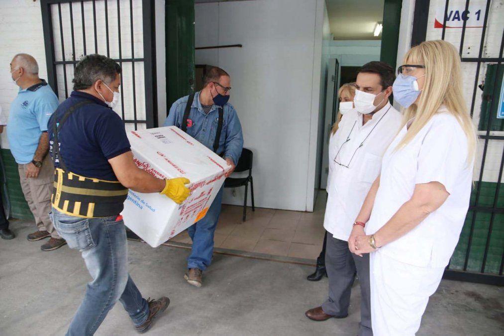 Unas 15.600 vacunas Sputnik V arribaron a Tucumán