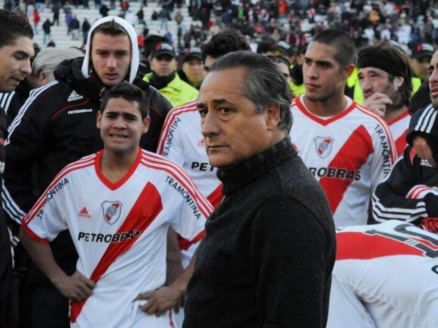 Juan José López fue el blanco de las críticas por el descenso de River.