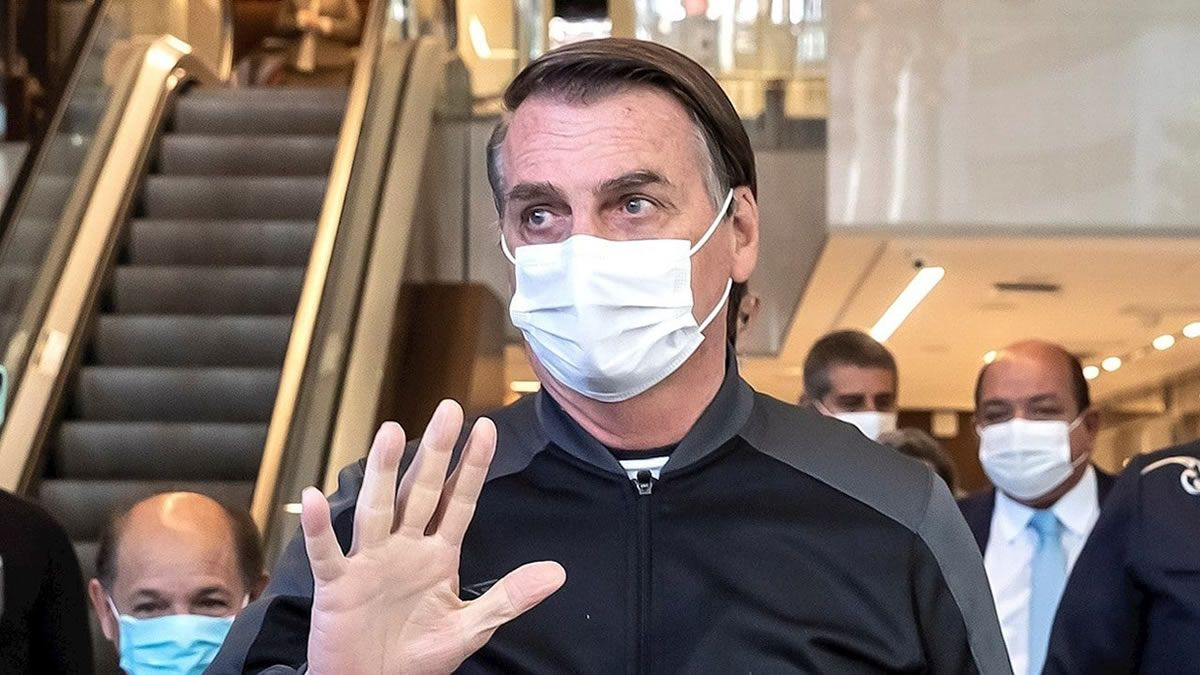 Bolsonaro vuelve a sus funciones luego de recibir el alta médica