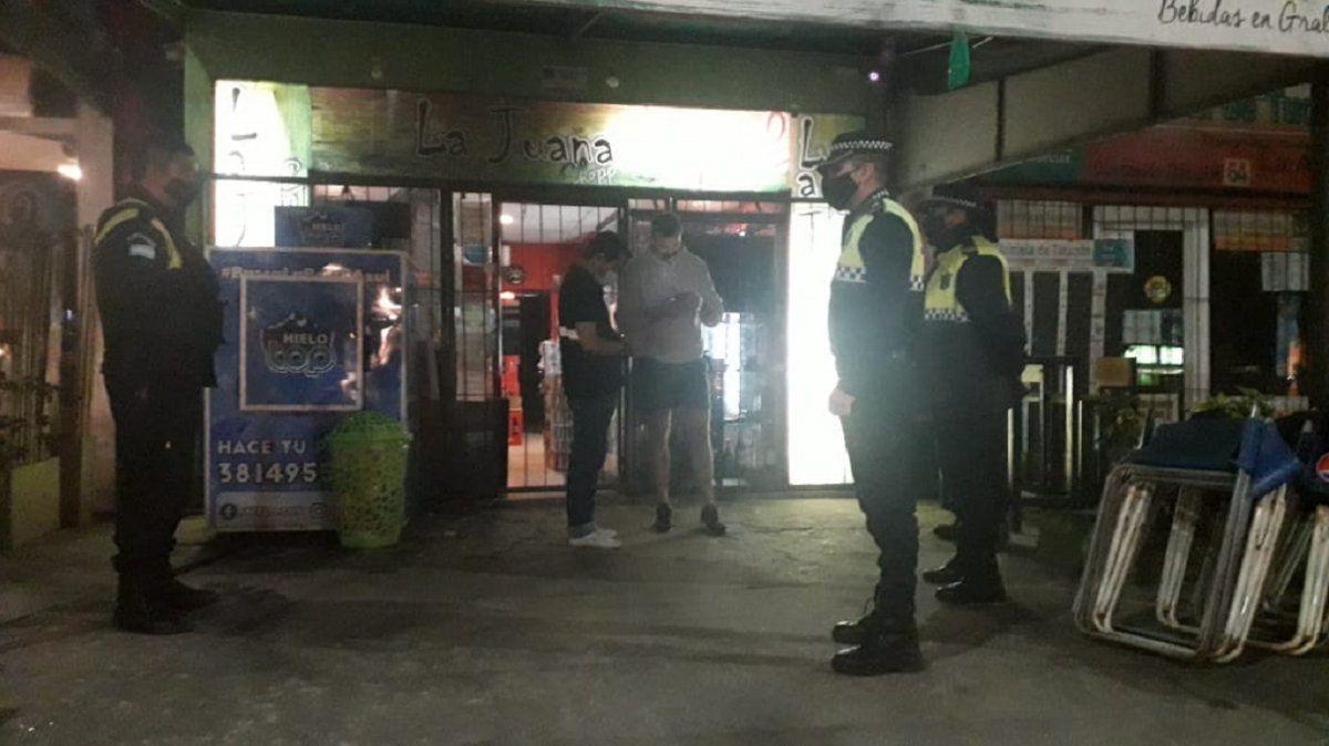 Yerba Buena: clausuraron un bar y secuestraron 11 vehículos