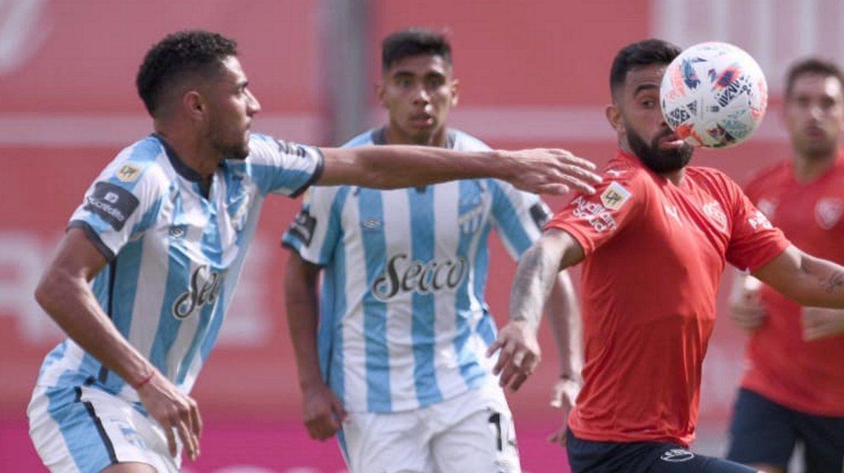 Atlético Tucumán se llevó un triunfazo de Avellaneda y vive