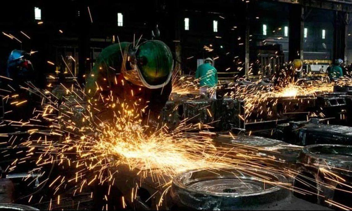 Los trabajadores percibirán el bono en tres partes.