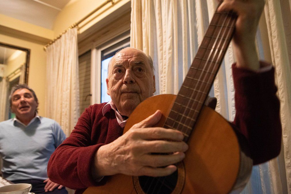 Juan Carlos Saravia, histórico líder de Los Chalchaleros, murió a los 89 años