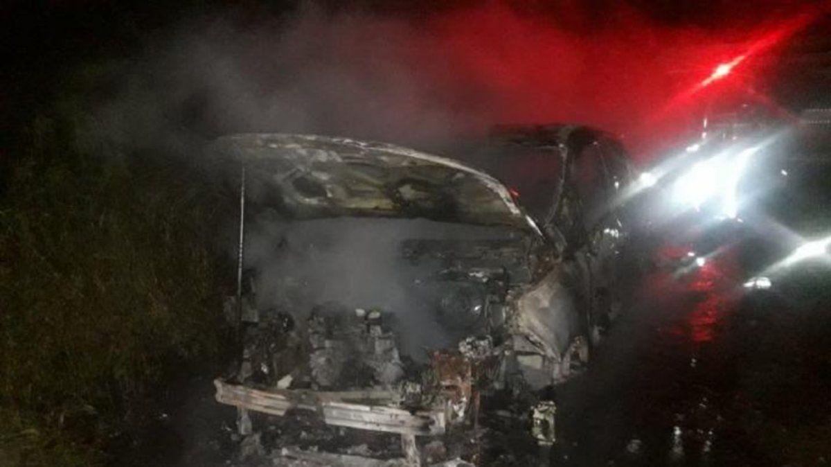 Robo en una vivienda: se llevaron una camioneta y la incendiaron