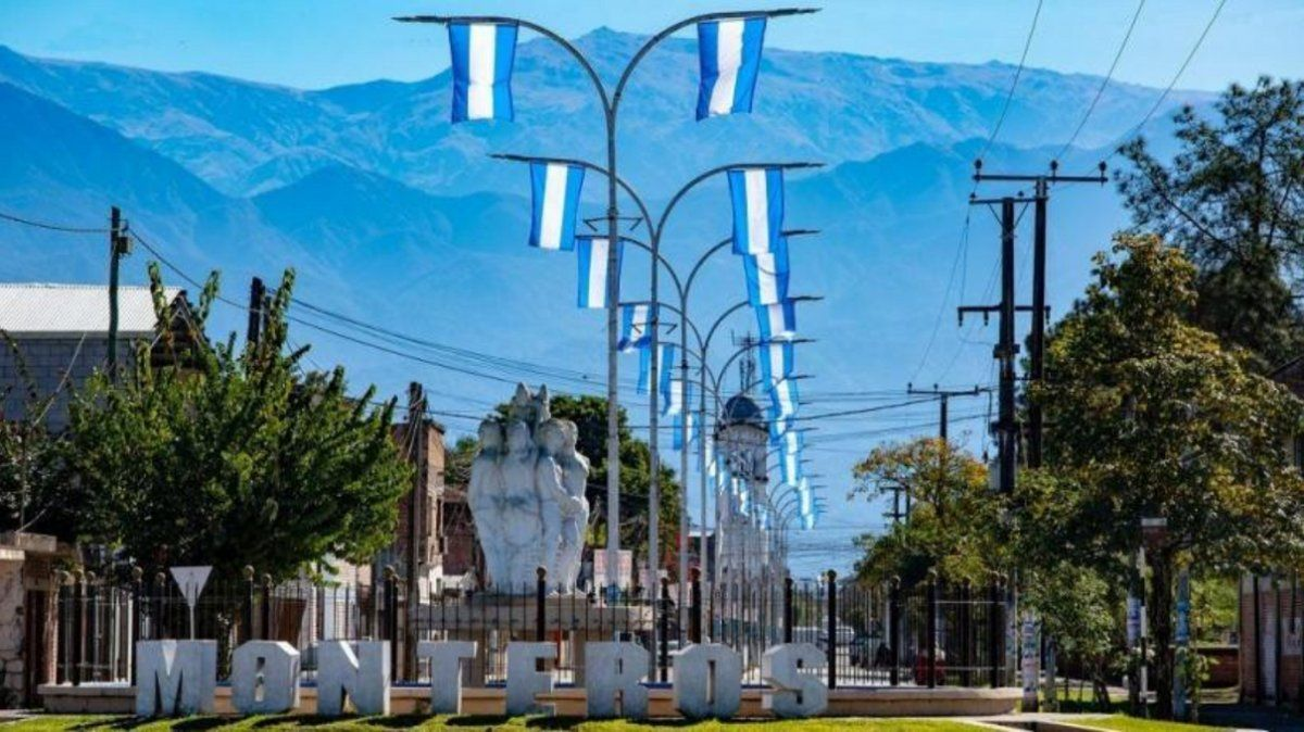 Monteros no abrirá bares, restaurantes y gimnasios