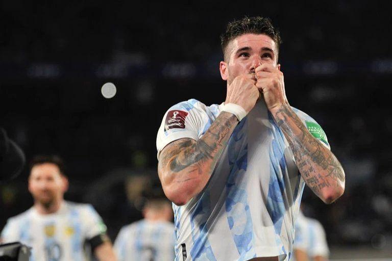 De Paul y su alegría por el tanto con la Selección Argentina.