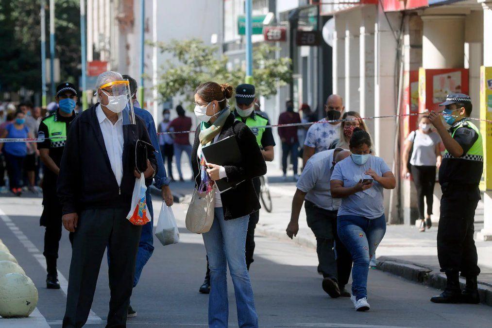 Aconsejan volver a fases más estrictas en Tucumán