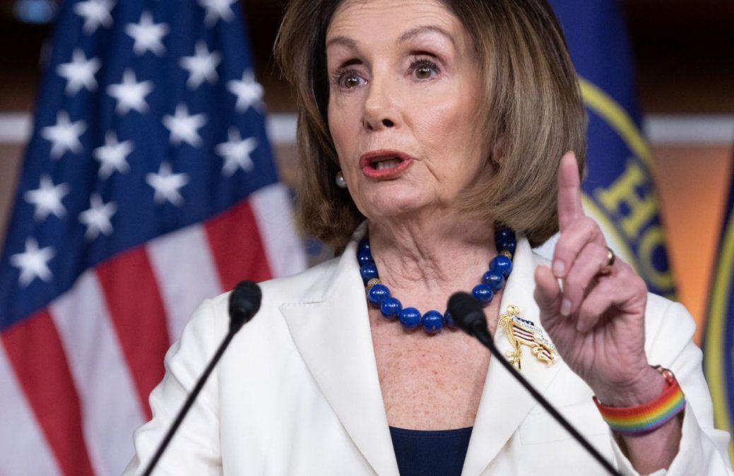 Los demócratas ya formulan los cargos para someter a juicio político a Trump