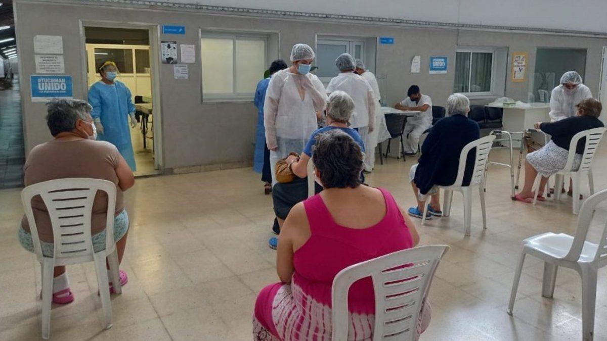 Coronavirus: ya se inmunizó en 23 de las 27 residencias