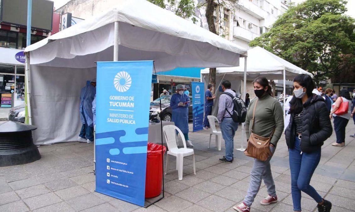 Personal de la Salud apostados en el microcentro. Foto MSPT