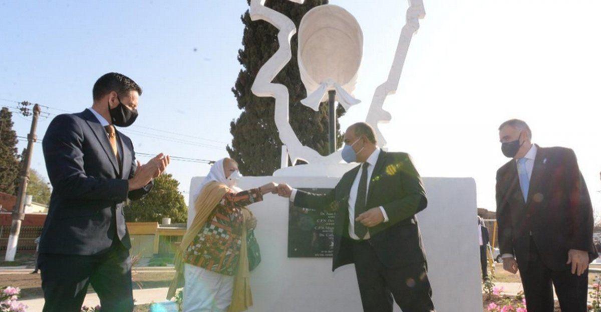 Las Talitas: Manzur inauguró la Plaza de la Memoria