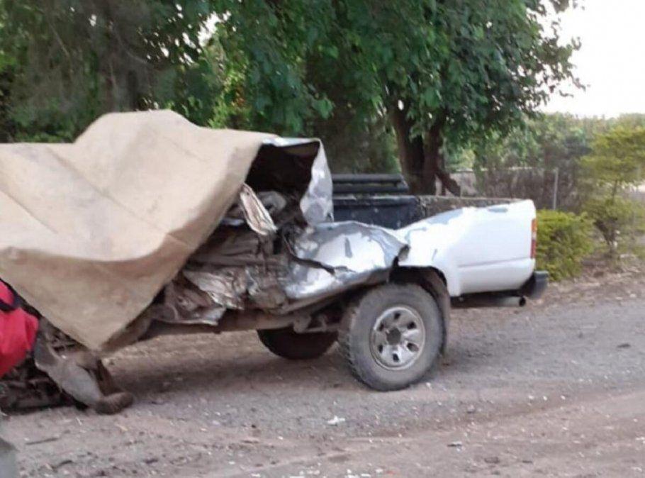 Bomberos continúan trabajando en la ruta 304 tras el accidente. Foto: losprimeros.tv