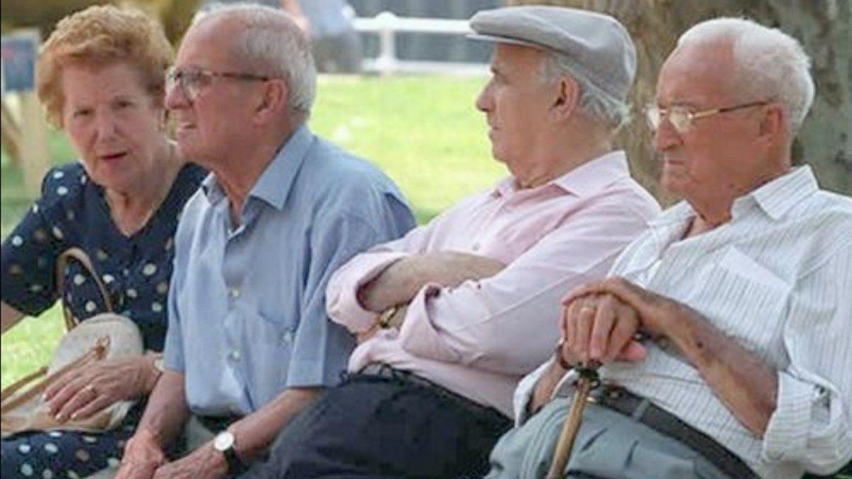 Anses publicó el cronograma de pago del bono a jubilados en diciembre