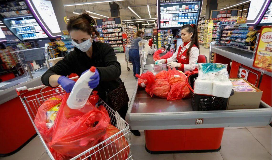 El consumo en Argentina cayó 5,4% durante agosto