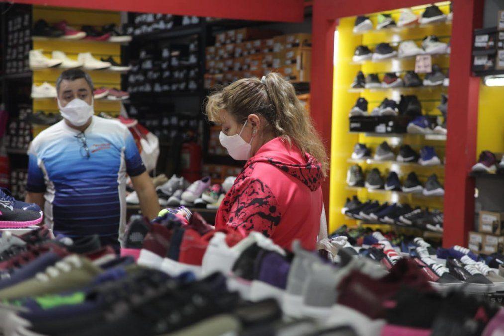 Ventas minoristas repuntaron un 40,8% en abril