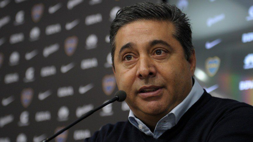 Angelici suspendió la conferencia