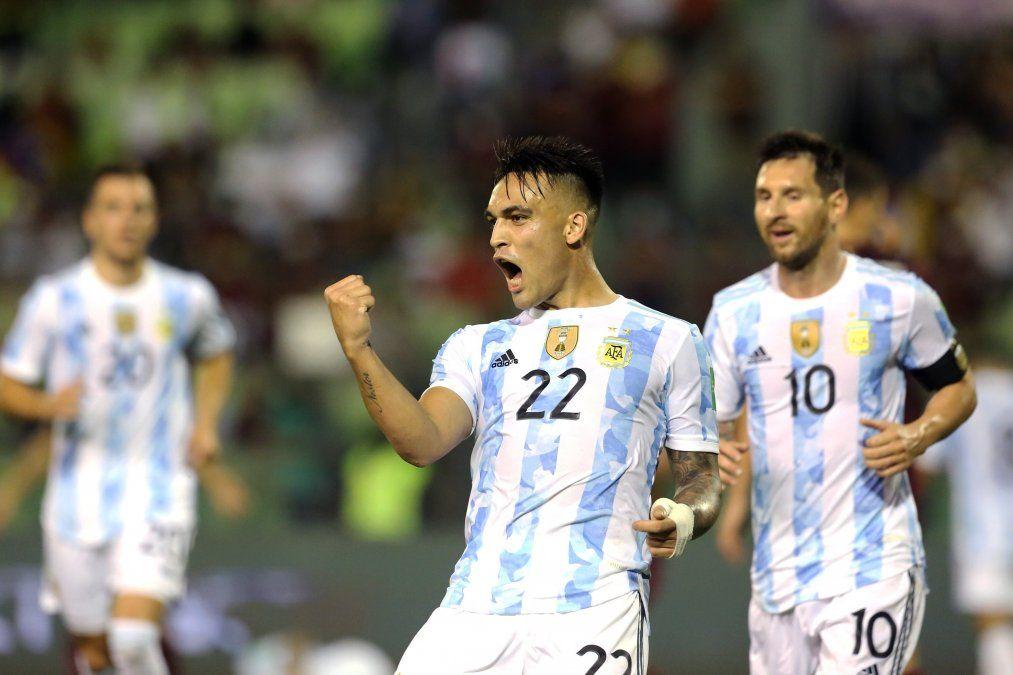 Lautaro Martínez dijo presente y anotó el tercer gol del equipo de Scaloni.