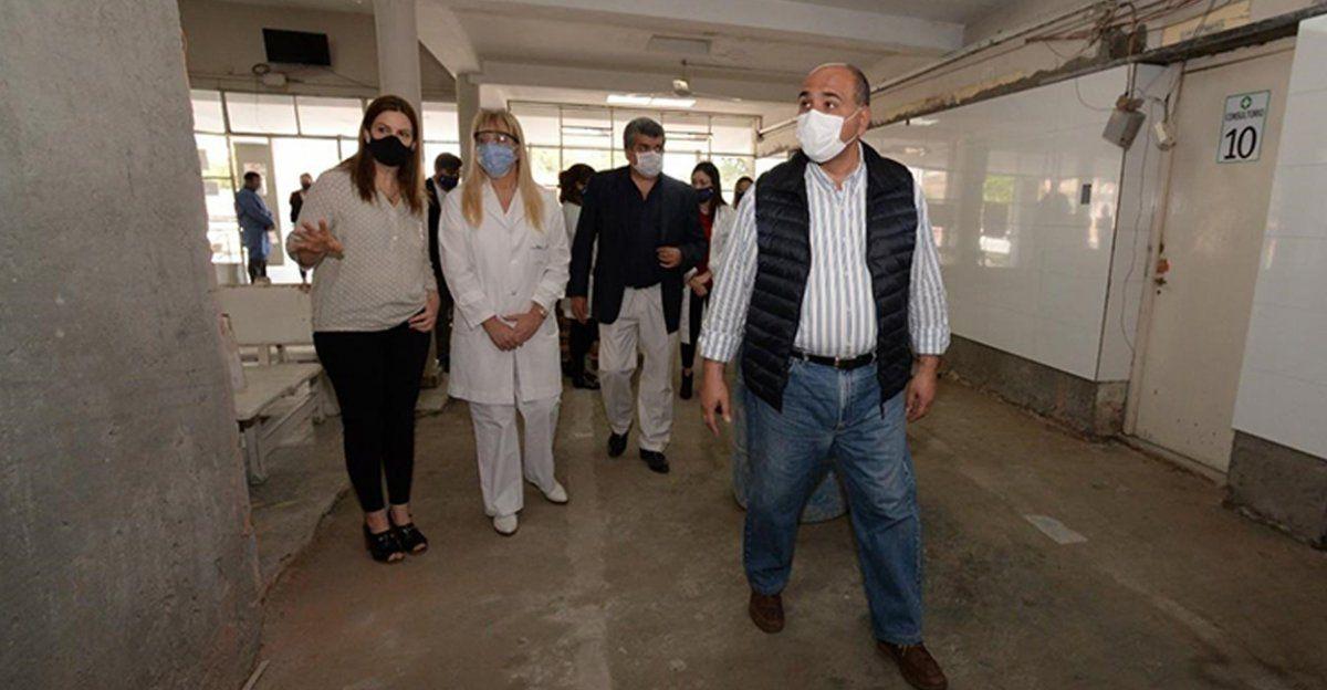 Manzur visitó obras de remodelación del hospital de Monteros