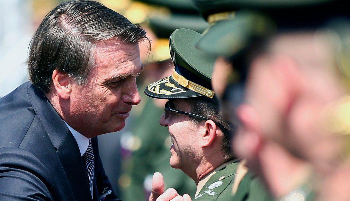 Bolsonaro destituyó a los tres jefes de las Fuerzas Armadas