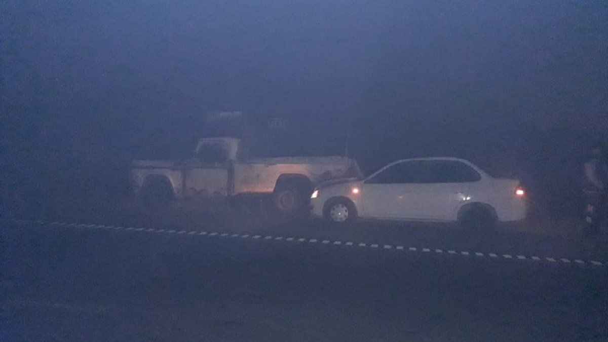 El humo y la neblina provocaron un accidente en Los Aguirre