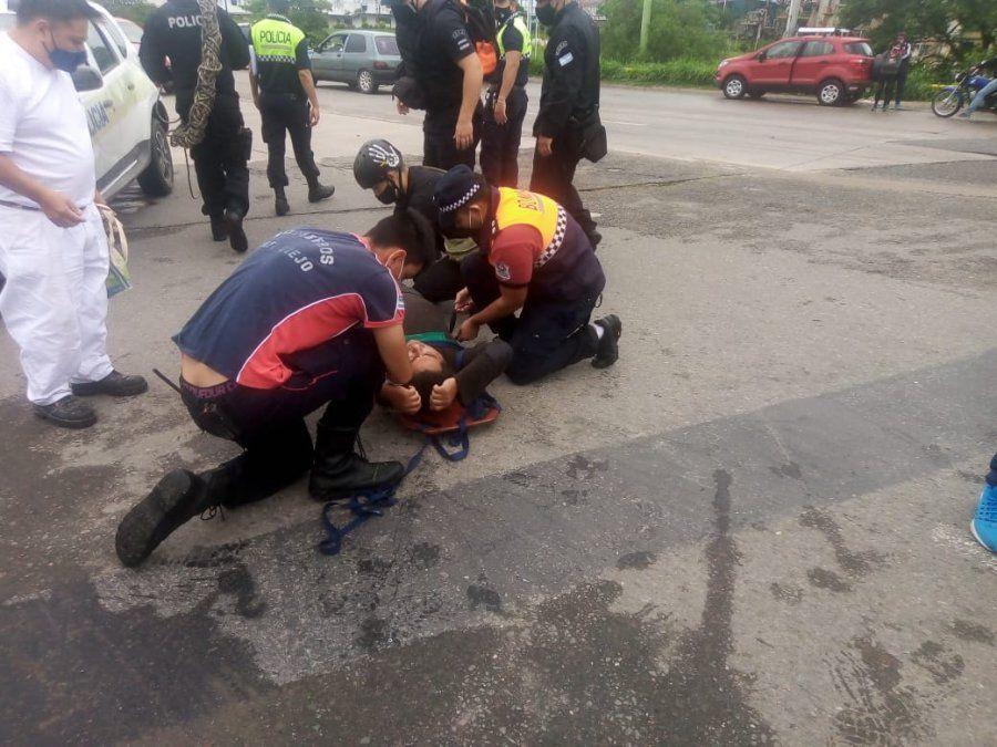 Rescataron a un hombre que se cayó en el Canal Norte.