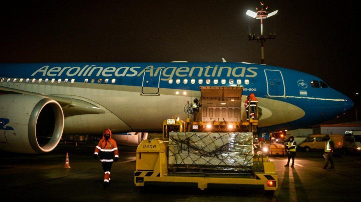 El vuelo con la Sputnik V partió y está rumbo a la Argentina