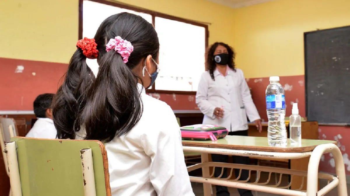 Jujuy: tres de cada diez docentes jujeños se inscribió para vacunarse