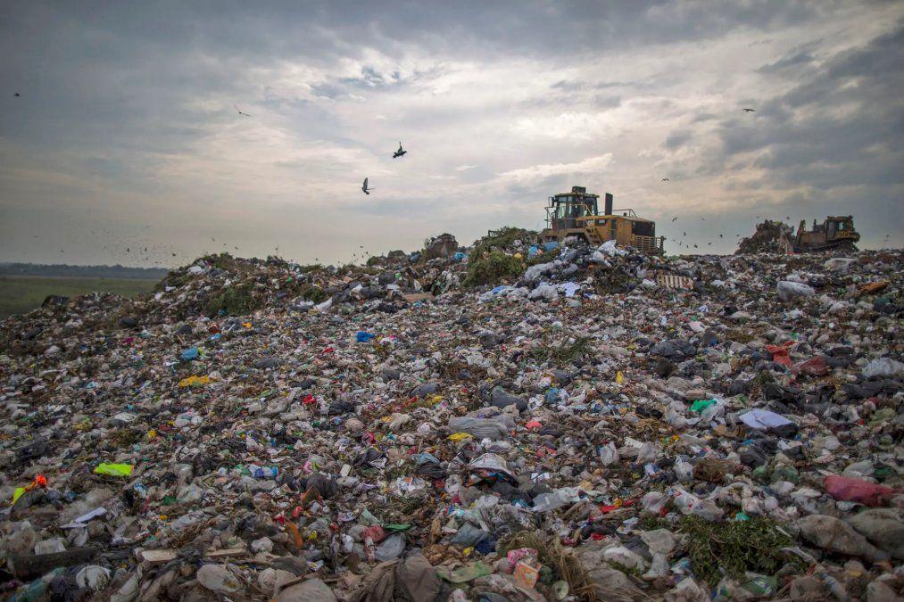 Relevan sobre los residuos peligrosos sin tratar en el país