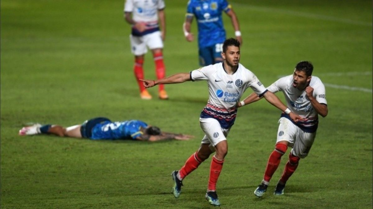 San Lorenzo venció a Central en un final caliente./ Foto: Baires.