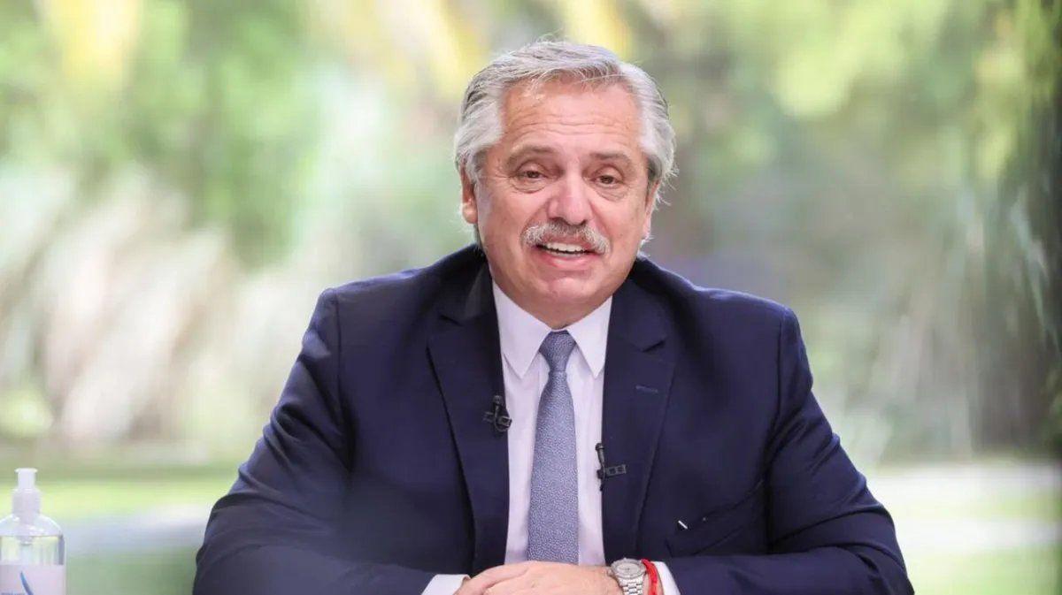 Alberto Fernández evoluciona en forma favorable