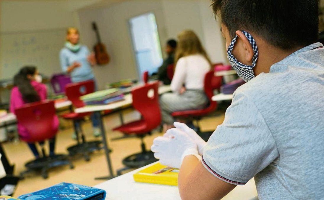 Educación: Proponen volver a la escuela por grupos