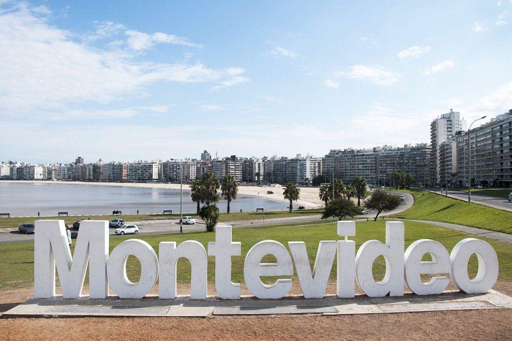 Miles de argentinos desembarcaron en Uruguay por la crisis