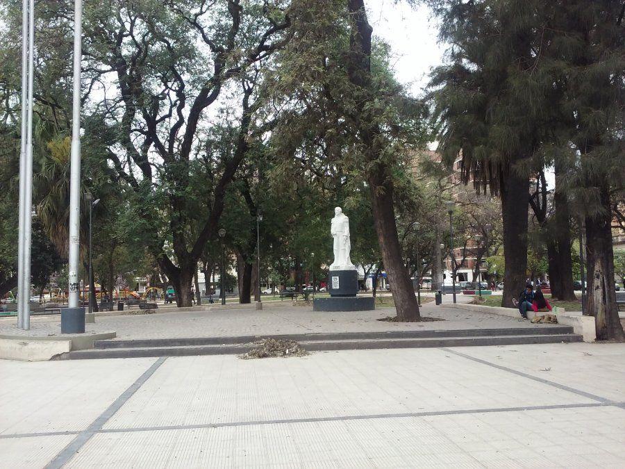Detienen a un joven tras una pelea en Plaza Urquiza